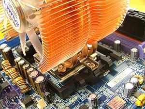 Zalman CNPS9500 vs Asetek Microchill Zalman CNPS9500 LED