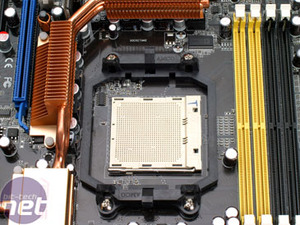 ASUS M2N32-SLI Deluxe WiFi Edition The Board
