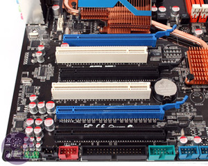 *Asus M4A79-T Deluxe Board Features and Layout