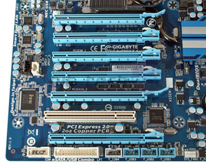 Preview: Gigabyte 890FX & 880G Motherboards First Look: Gigabyte GA-890FXA-UD7