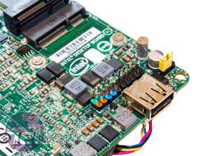 Intel NUC D33217CK Review Intel NUC D33217CK | Expansion, Ports and BIOS