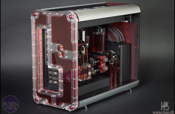 Bit-tech Mod of the Year 2015 In Association With Corsair Hex Gear R40 Engineering Station by p0Pe