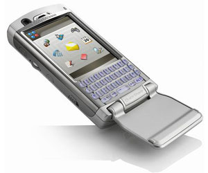 Sony Ericsson launches P990 smartphone