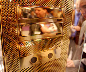 Voodoo shows off gold-plated bling PC