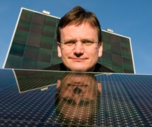 Nanosolar ships 'cheap' solar cells