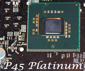 Intel P45 chipset spotted naked!