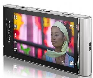 Sony Ericsson, Nokia pull handsets