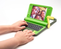 Negroponte offers India OLPC tech