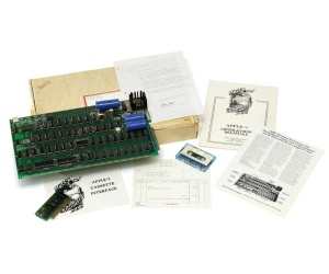 Apple-1 offered in £100,000 auction