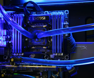 Intel LGA2011 CPU gets water-cooled
