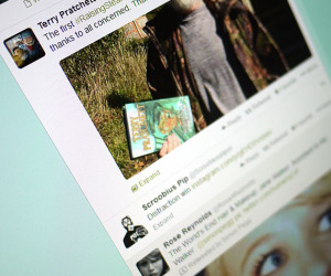 Twitter adds picture and Vine previews for web, iOS and Android