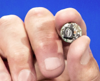 Intel unveils Quark SE, Curie wearable module