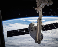 SpaceX applies for globe-enveloping sat broadband licence